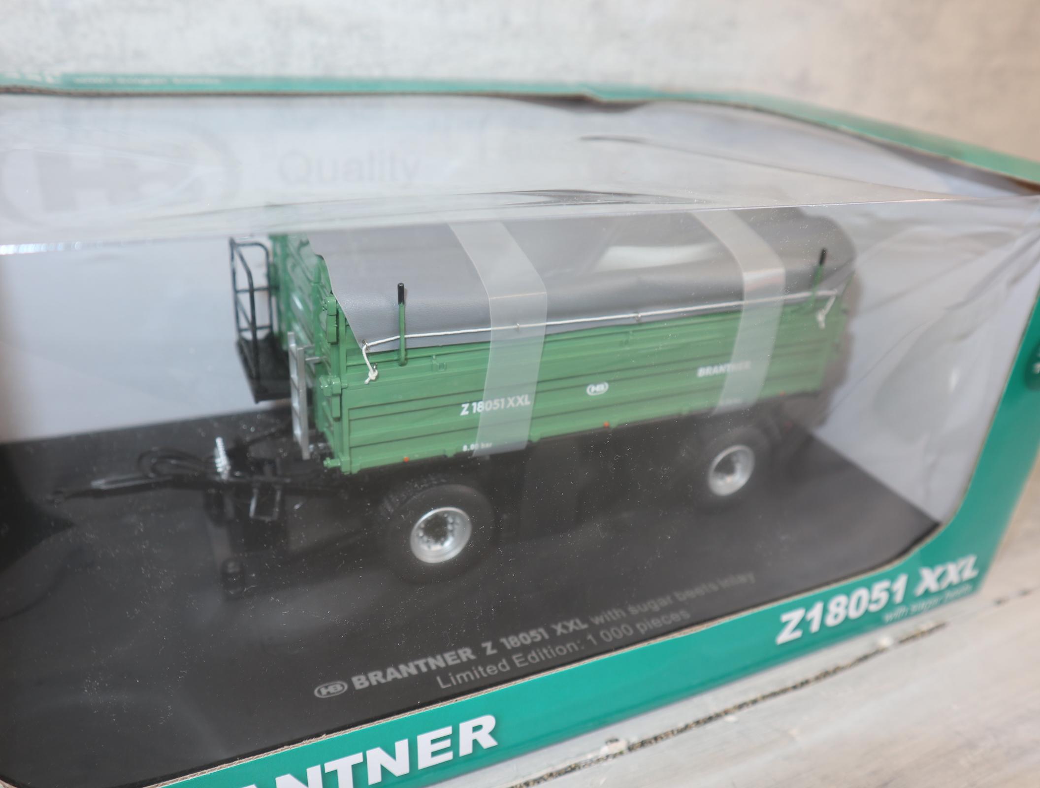 Universal Hobbies 5268 1:32 Brantner Z18051 grün Sondermodel