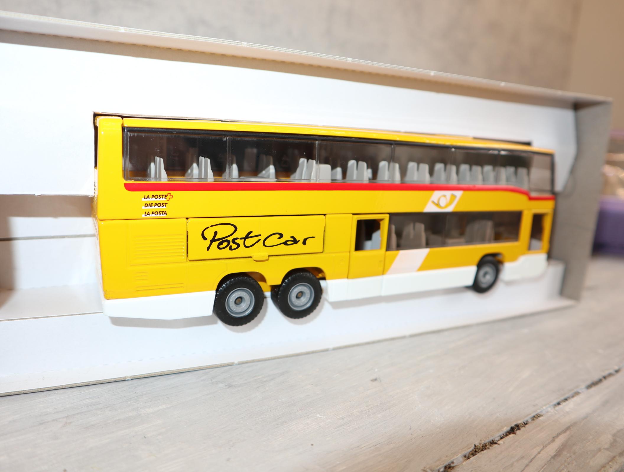 "Siku 3814 in 1:55 MB-Reisebus Sondermodell Schweiz ""PostCar"""
