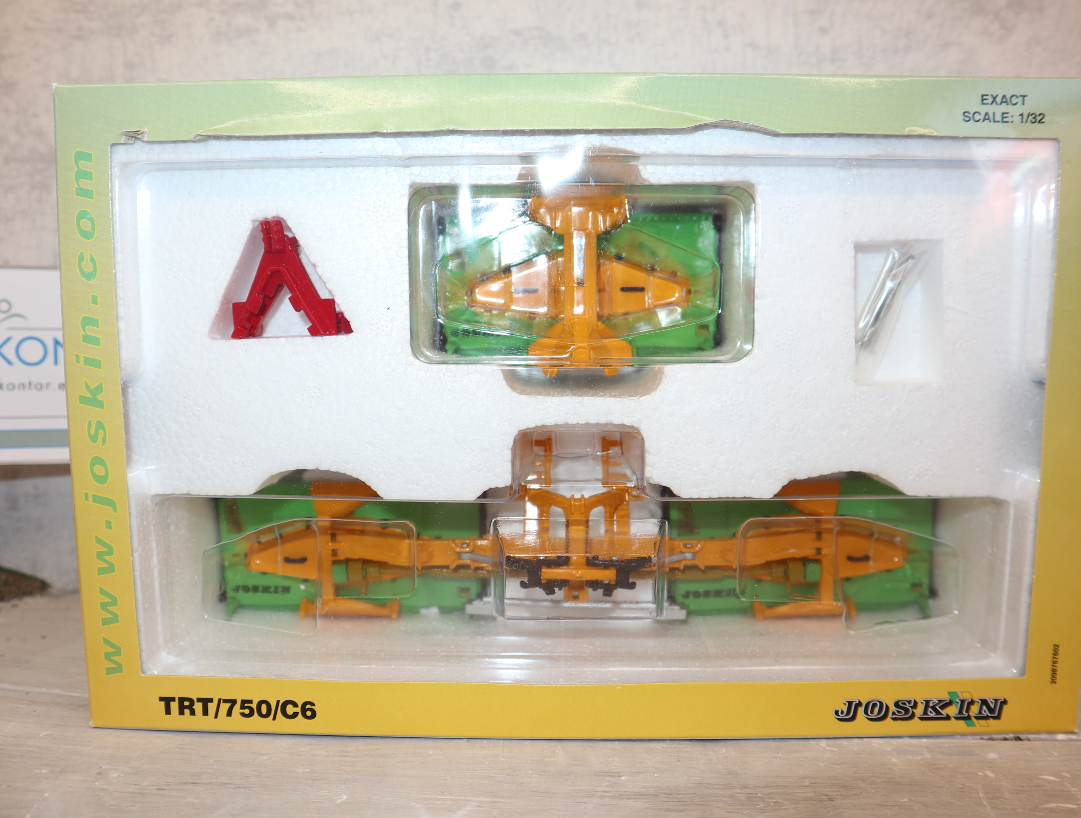 ROS 60301 in 1:32 Joskin TRT 750 C6 Mähwerk