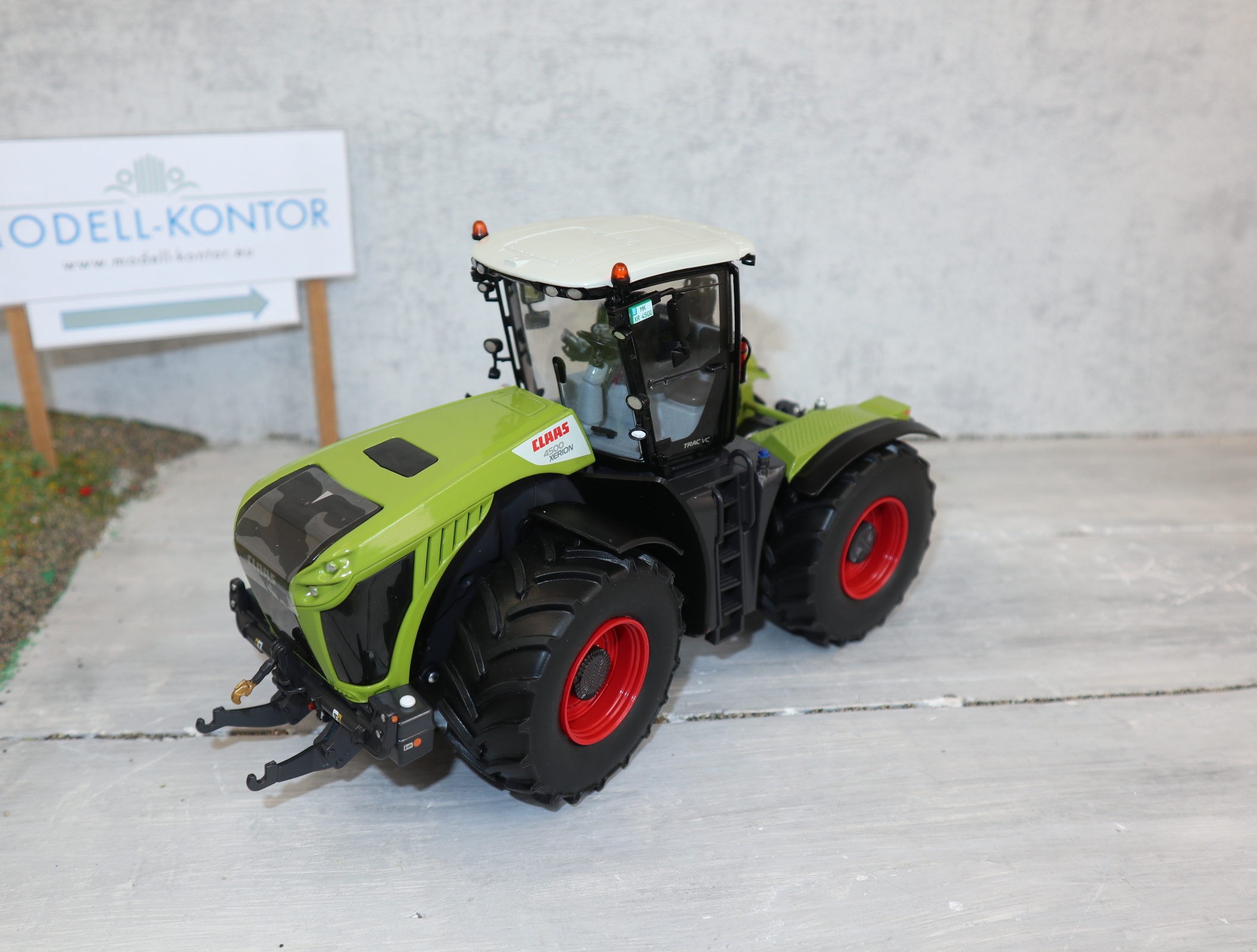 WIKING 077853 in 1:32 Claas Xerion 4500 in OVP