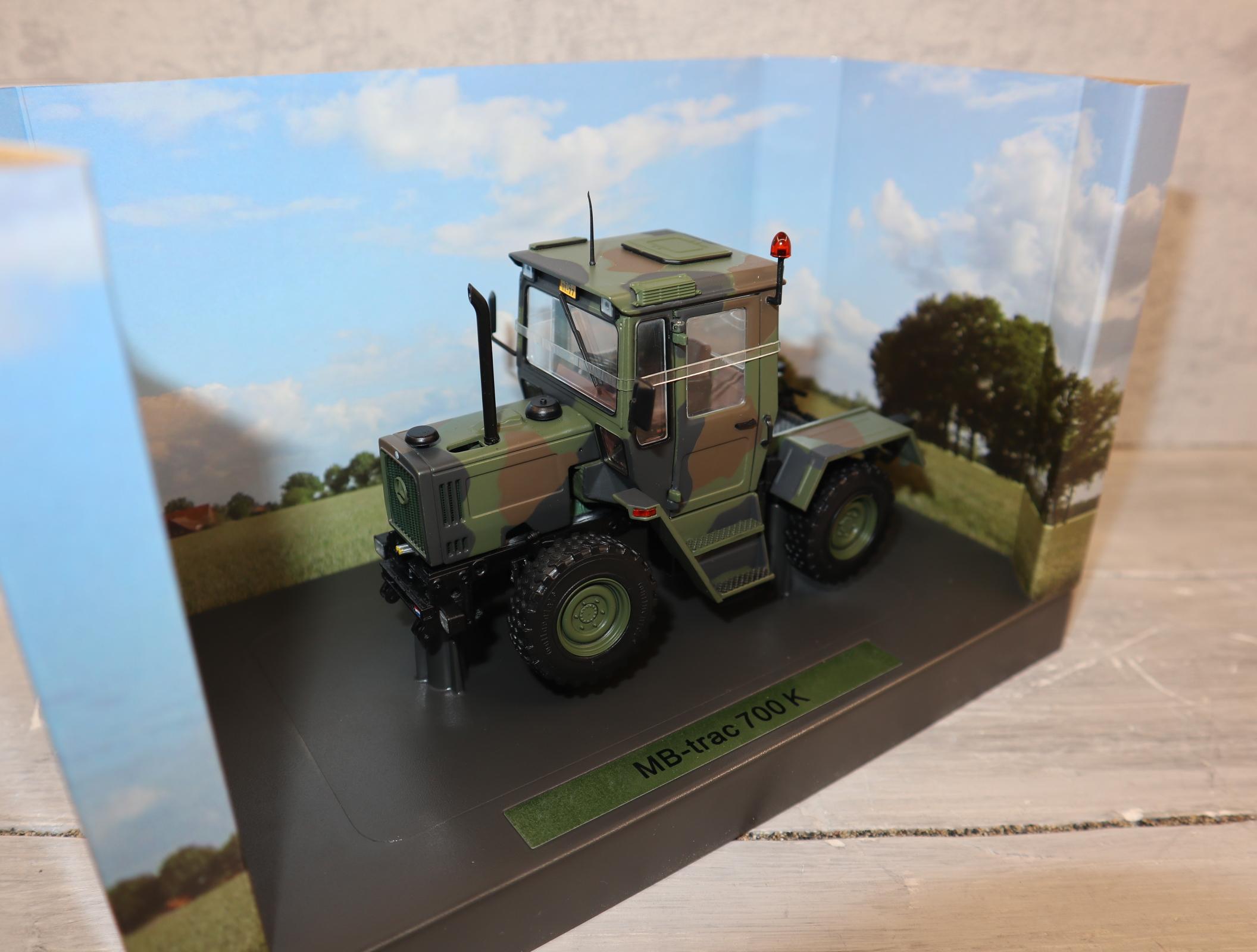 Weise Toys 2039 1:32 MB Trac 700 NL-Army Flecktarn