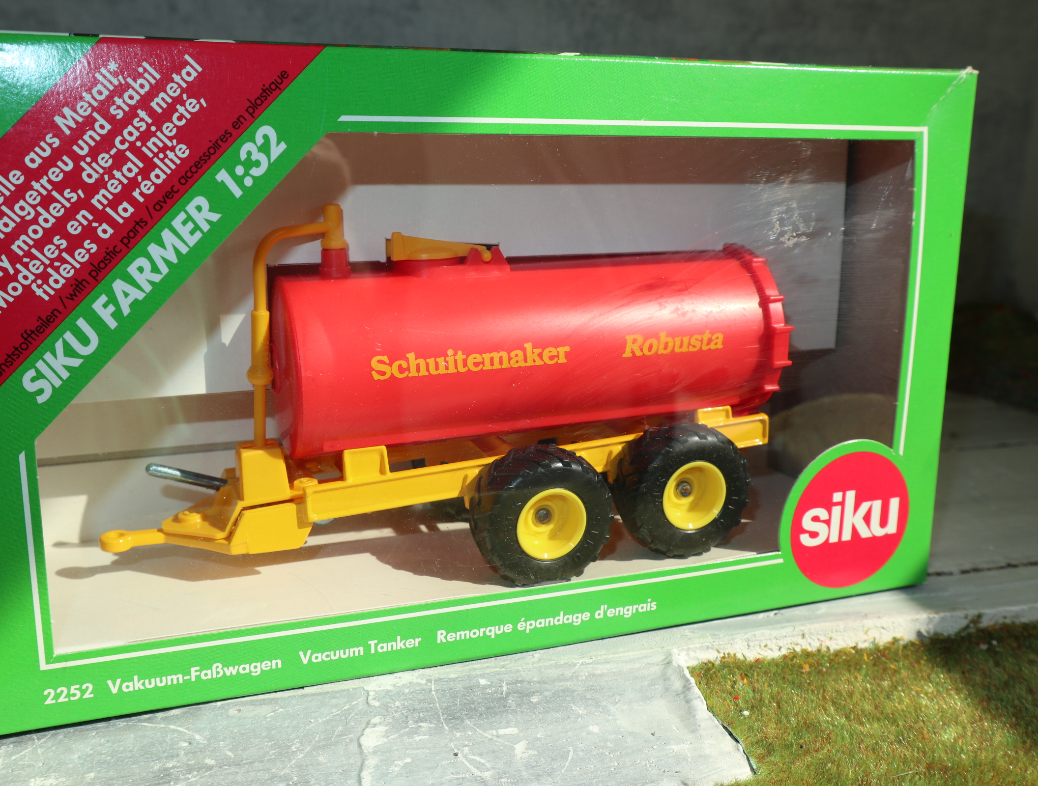 Siku 2252 1:32 Fasswagen Sondermodell SCHUITMAKER NL aus 2000 in OVP