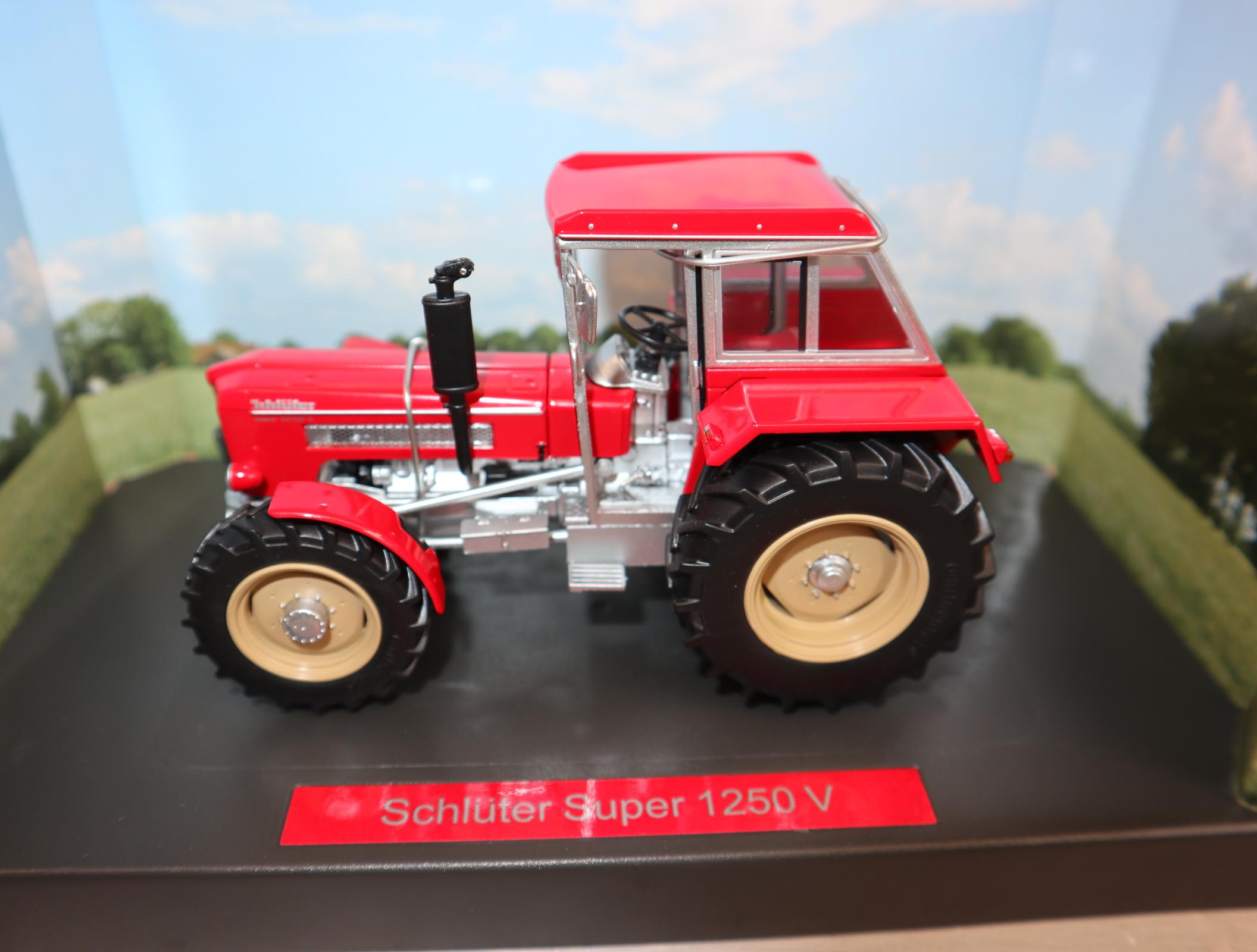 Weise Toys 1055 1:32 Schlüter Super 1250V