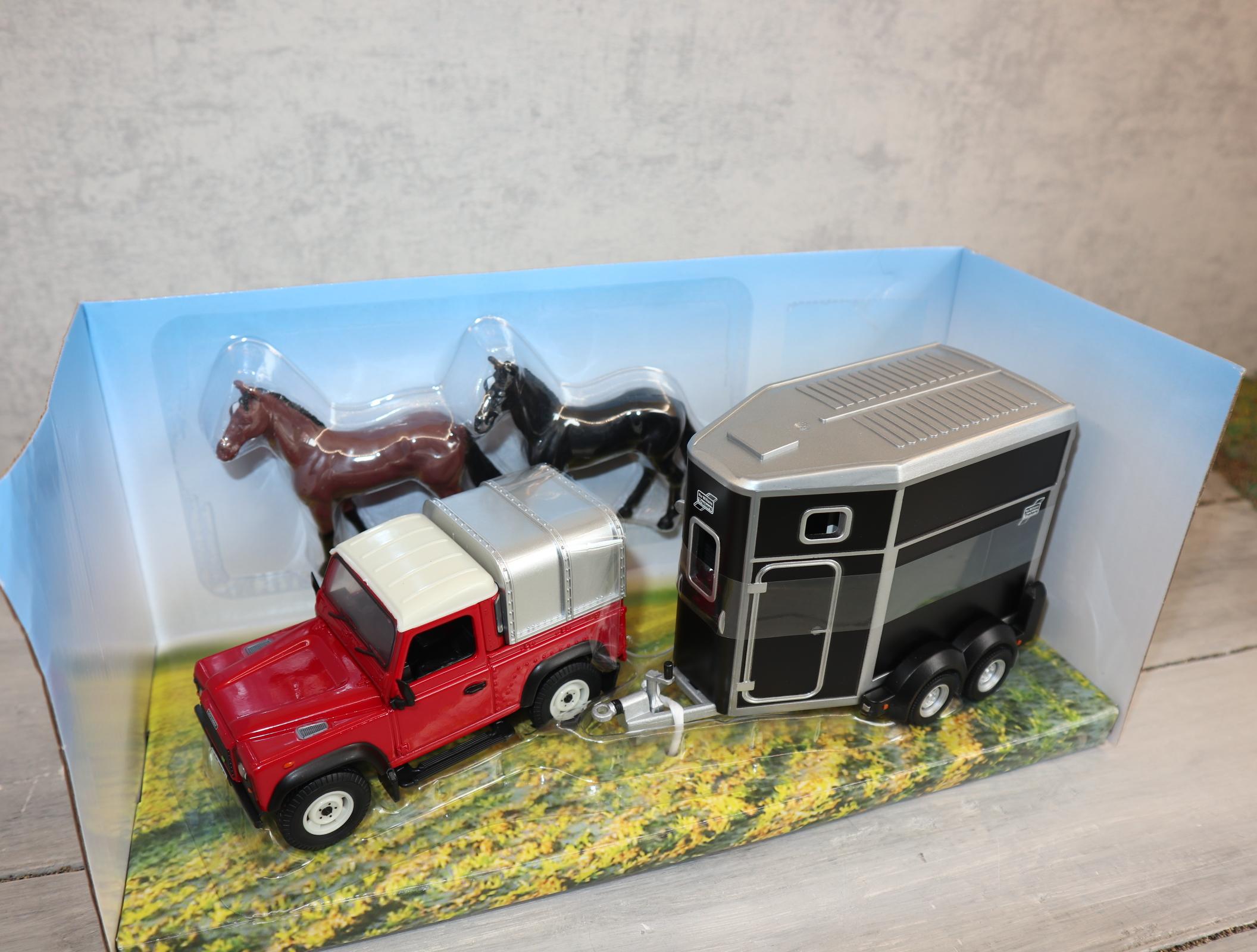 Britains 43239 1:32 Land Rover mit Pferdeanhänger
